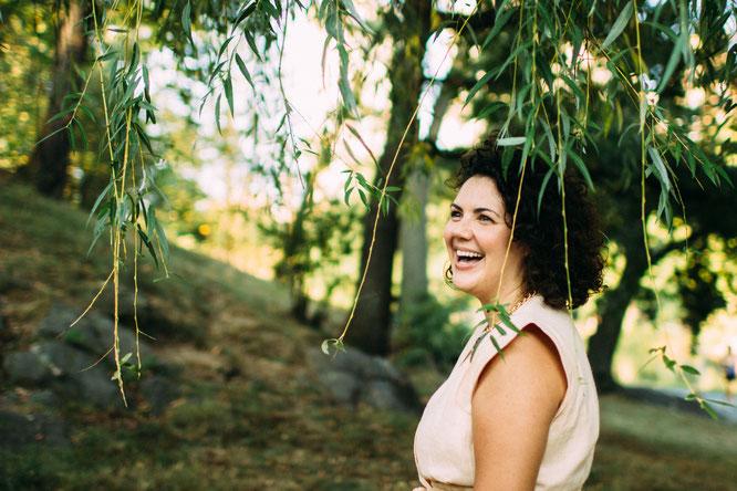 Maria Christina Gabriel über Blessingway Zeremonien für Schwangere auf dem Yoga Mama Blog MOMazing.