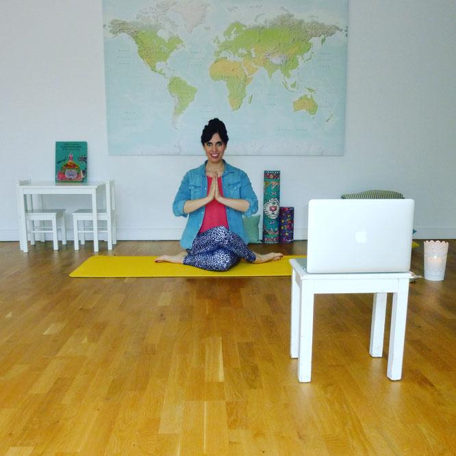 Kathrin Mechkat von Mama Yoga Blog MOMazing testete Online Yoga mit Yogaia.