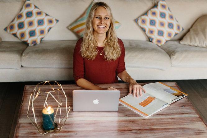 """Online-Kurs für Yoga-Mamas: Carina Alana Preuß von """"Mein Ayurveda Lifestyle Online-Kurs"""""""