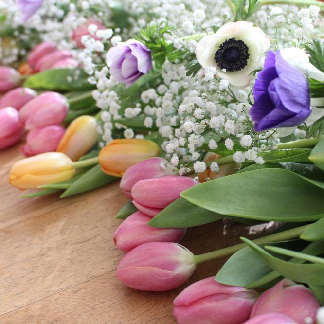 Blessingway-Rituale für werdende Mamas – Blumen gehören dazu