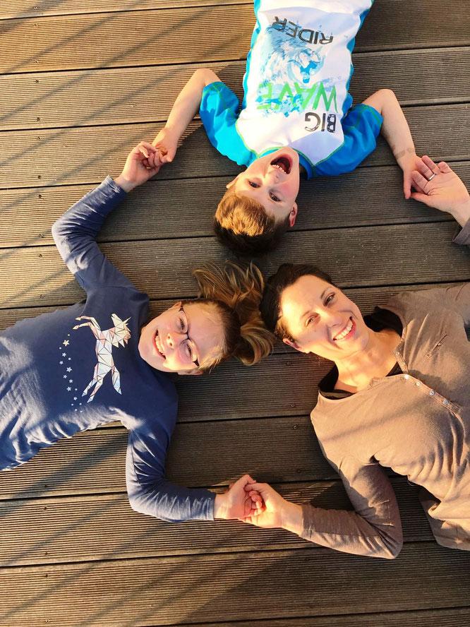 Yoga-Mama Lisa Becker über spirituelle Kindererziehung auf dem Mama Yoga Blog MOMazing.