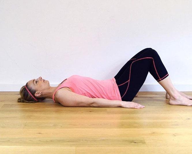 Beckenboden-Regeneration: Tipps und viel Liebe für den Beckenboden auf dem Mama Yoga Blog MOMazing.