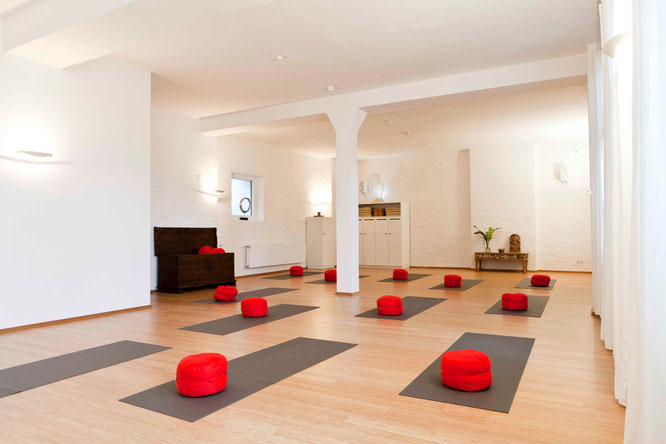 MOMazing City Guide Nürnberg Metropole Städtetrip Reisen mit Kind Yoga Mama Mami Blog Space Yoga