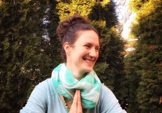 MOMazing #beckenbodenglück mit Sarah Ege Yoga Mama Mami Blog
