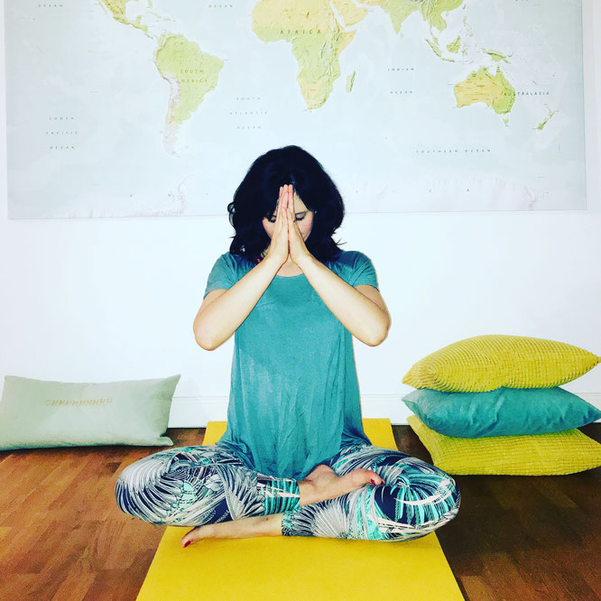 : Die Yoga-Mama-Pause: Online Meditation für Mamas im Test auf dem Yoga Mama Blog MOMazing