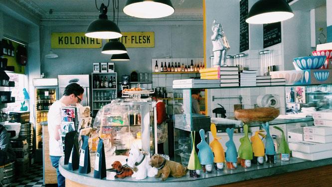 Café Liebling: Yoga Mama MOMazing City Guide Oslo - Mareike gibt Tipps für Städtetrips und Reisen mit Kind und Baby.