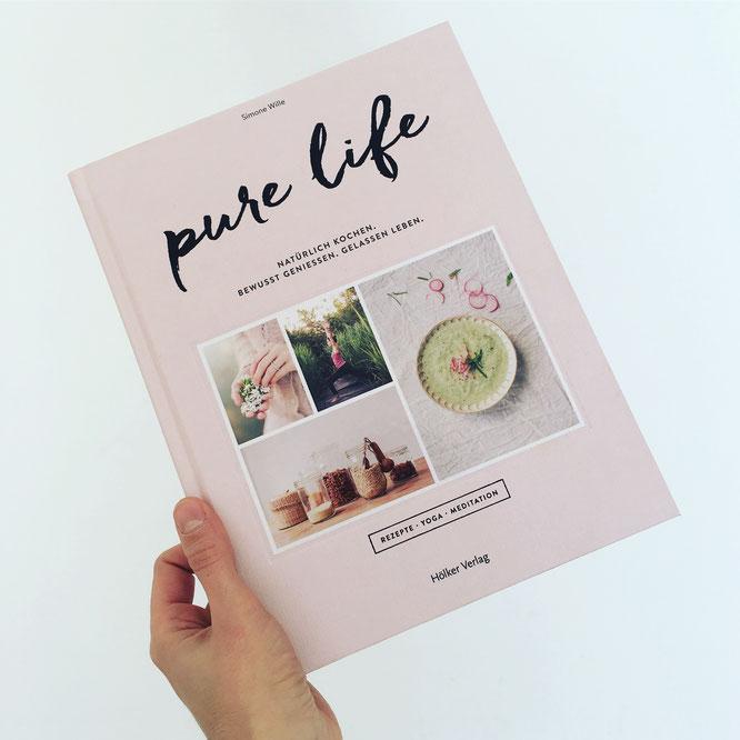 Buch-Rezension vom Mama Yoga Blog MOMazing: pure life - Natürlich Kochen. Bewusst Geniessen. Rezepte, Yoga und Meditation.
