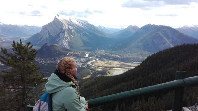 Der Blick von Norquay aus - Mit der Seilbahn fährt man hoch auf den Berg Norquay und hat einen tollen Blick auf Banff!