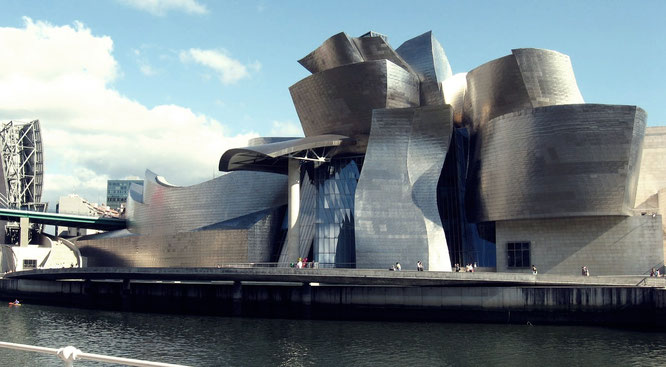 Museo Guggenheim de Bilbao – Frank Gehry.