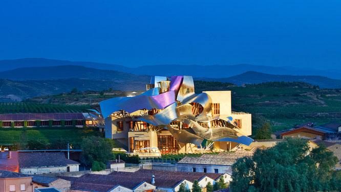 Hotel Marqués de Riscal, Álava – Frank Gehry / Fuente: www.hotel-marquesderiscal.com.