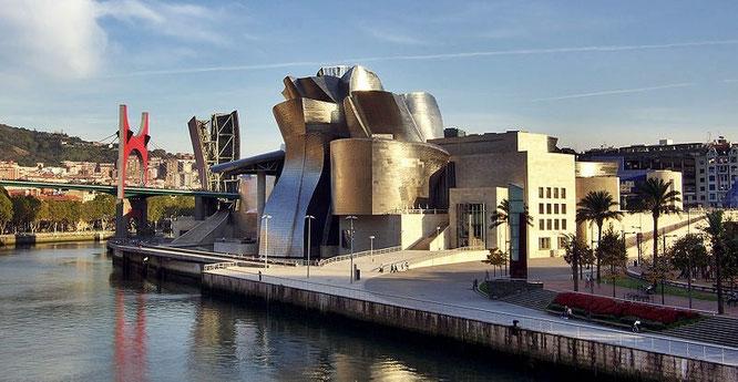 Museo Guggenheim de Bilbao – Frank Gehry / Fuente: Phillip Maiwald.