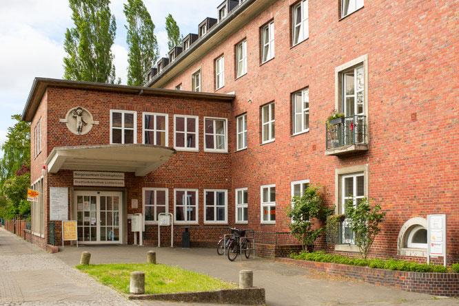 Stadtteilbibliothek Lichtenrade Edith-Stein-Bibliothek Briesingstr. 6,   12307 Berlin