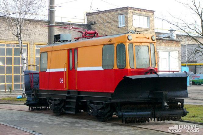 Вагон-снегоочиститель ГС-4 постройки 1978 года. Активно эксплуатируется в зимнее время. Минск, трамвайный парк. 29/11/2009