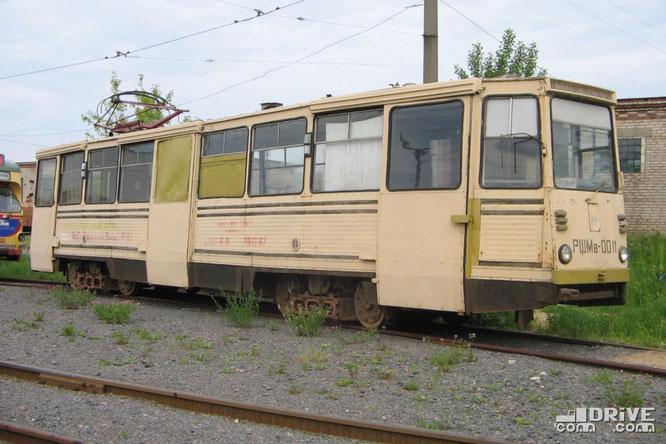 Рельсошлифовальный вагон РШМв-1 (заводской №11) постройки 1998 года. Изначально специализированный вагон до сих пор не списан. Фото Ивана Войтешонка. 10/06/2005