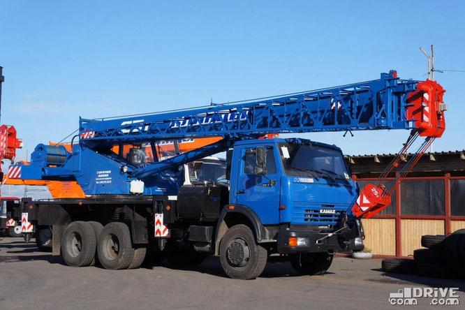 Автокран КС-55713-1К-3 на шасси КАМАЗ-651153. Масса 23 680 кг. Площадка техники Русбизнесавто (Подольск). 26/09/2012
