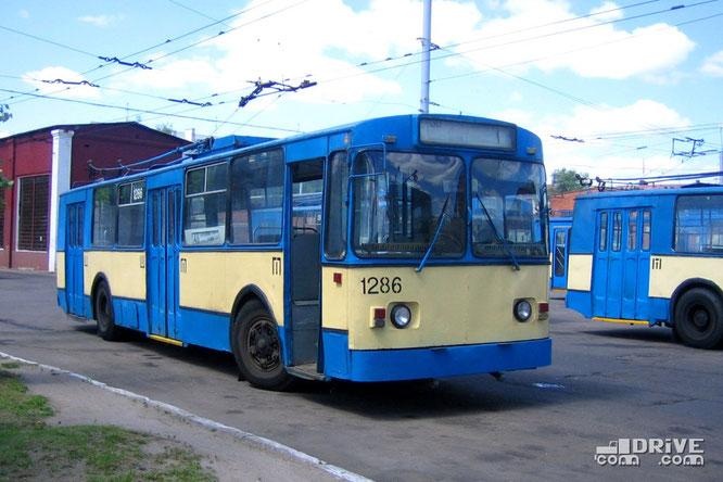Троллейбус ЗИУ-682В (В00). Минск. 16/06/2006