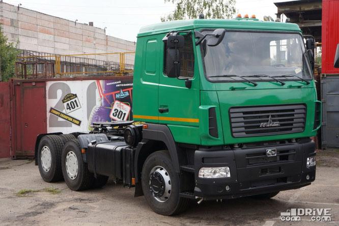 """Седельный тягач МАЗ-6430B9 с кабиной """"мод.5440"""""""