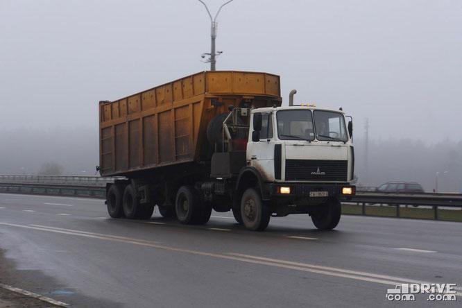 Лесовоз МАЗ-5434, переоборудованный под полноприводный седельный тягач. Минск. 04/01/2014