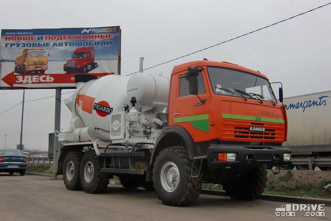 Автобетоносмеситель модель 69360K на шасси КАМАЗ-43118. Трасса Тула - Москва M2. 26/10/2011