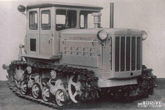 Гусеничный трактор ДТ-54 тягового класса 3