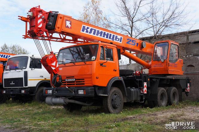 Автокран КС-55713-1К-3 (557131) на шасси КАМАЗ-651153. Площадка техники Русбизнесавто (Ногинск). 15/10/2012