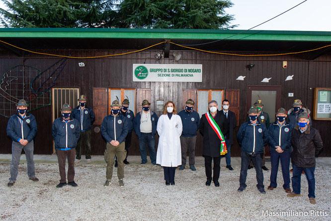 Il Gruppo Alpini San Giorgio di Nogaro assieme alle autorità