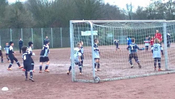 Szene aus dem Spiel gegen den VfB. Auf Facebook gibt es noch mehr Fotos.