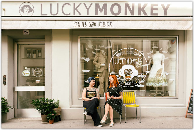 Eveline and Arlette in Front of Luckymonkey in Aarau