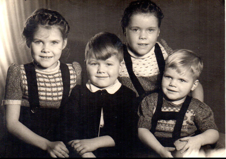 Kinderbild der Familie Döring mit Inge, Frieder, Anne und Jochen