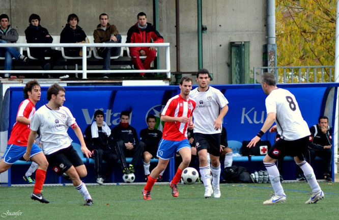 Imagen del enfrentamiento entre San Ignacio y Laudio B de la temporada 2012-13. Foto: Juanfer.