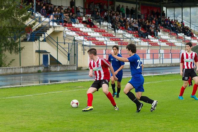 El Laudio superó por 3-1 al Condado de Treviño. Foto: Aitor Burgoa