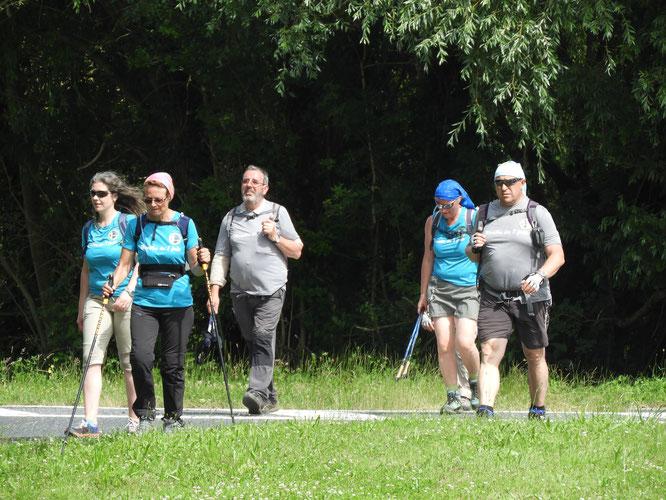 la  2 éme  partie  du Marathon  - l' arrivée  sur la  passerelle Biondi  sur Nogent  .  juin 2018 .