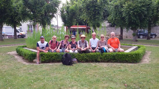 Cormicy 51 -   2 equipes sur  3 pour la  photo . Une  partie des  rando Challengers   de  Nogent sur Oise .