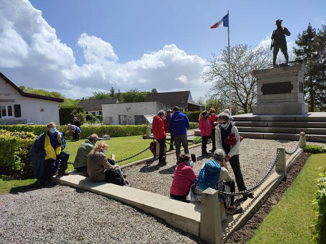 Le monument  des  Australiens à Péronne  sur la cote de St Quentin.
