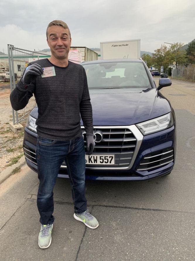 Artur Taut hat am Freitag, den 02. Oktober 2020 in Wertheim seinen Autoführerschein bestanden.