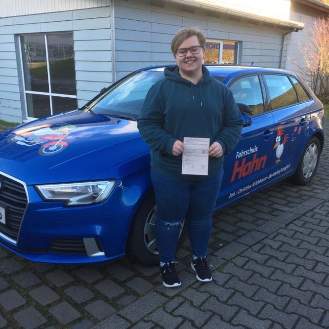 Ronja Schrom, 21.02.2020 in Wertheim hat den Autoführerschein bestanden