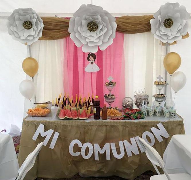 primera comunion de niña mesa de dulces