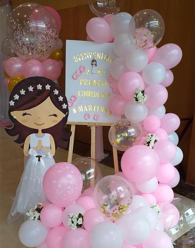 arreglo de globos para primera comunion de niña