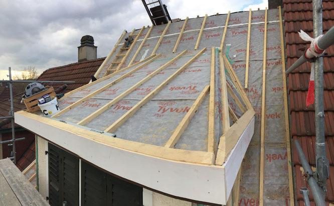 Unterdachfolie, Dachsanierung, Sanierung Lukarne, Dachaufbau, Traufladen, Dachgaube sanieren, Dachgaube neu