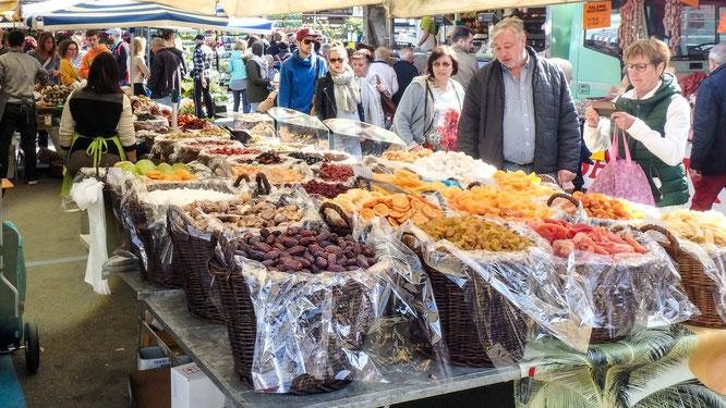 Bild: Der Markt in Luino