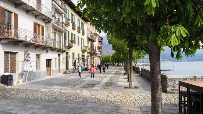 Bild: Blick  auf die Promenade von Cannobio