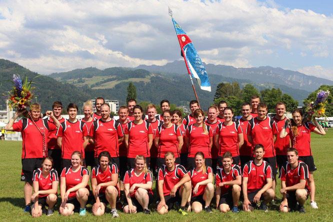 Vereinsfoto des Turnvereins, aufgenommen in Thun.