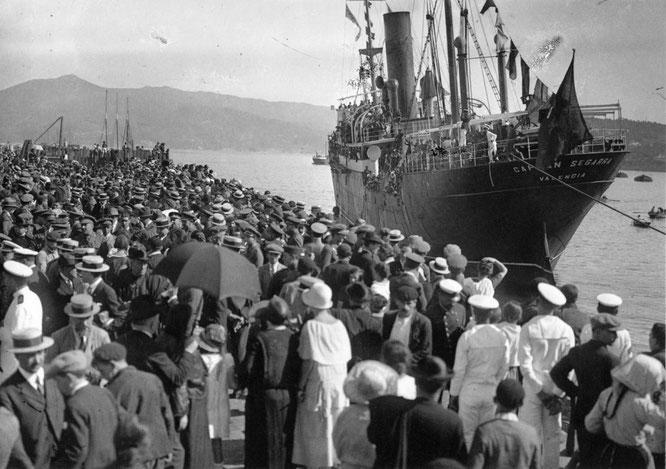 Barco de emigrantes (1915). Jaime Pacheco