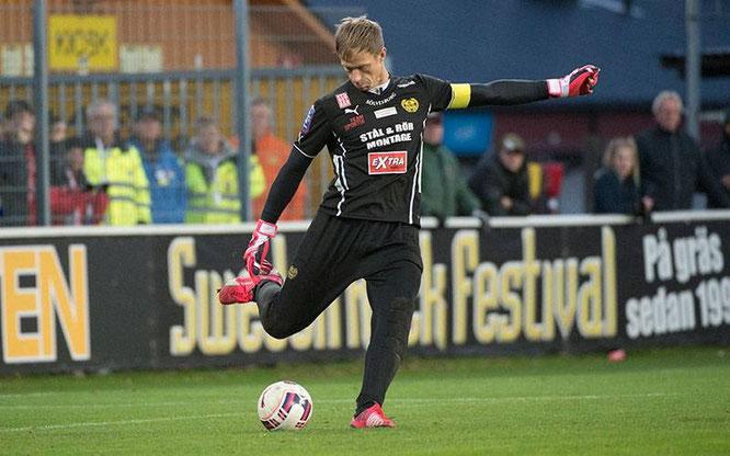 Asper, en uno de sus últimos partidos con el Mjällby. Foto: www.aftonbladet.se