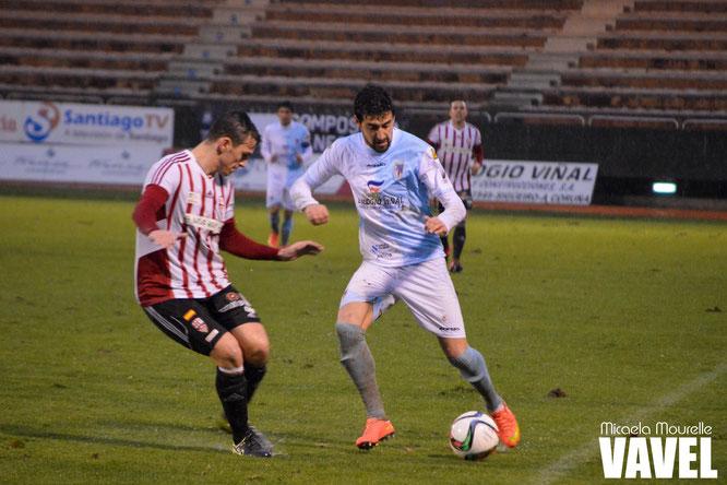 Mikel Orbegozo en el partido ante la UD Logroñés, su penúltimo con el Compostela. Foto: Micaela Mourelle (vavel.com)