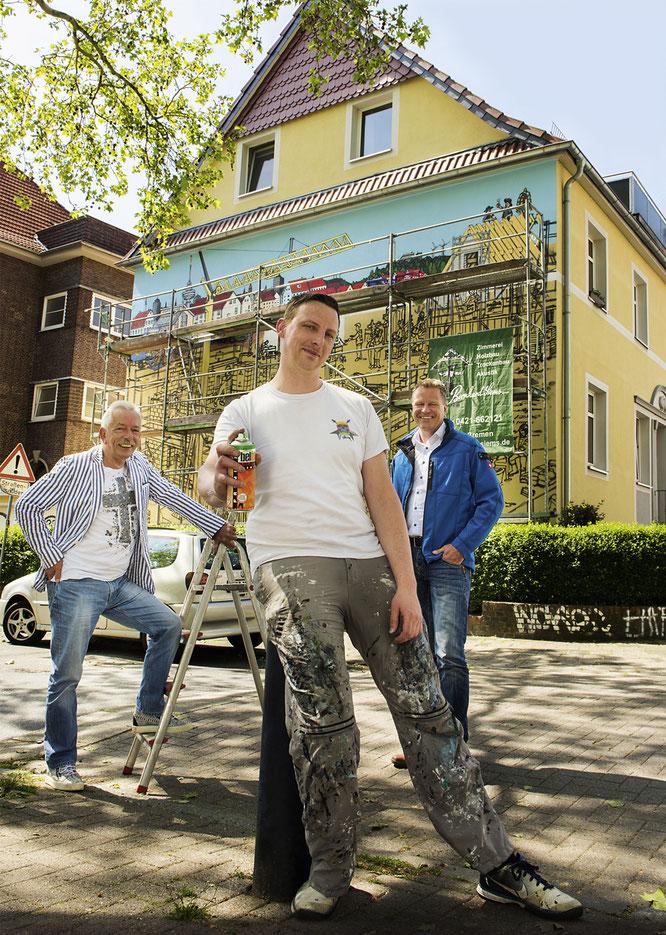 Von links nach rechts: Manfred Eisinger, Initiator und Mitglied im Vorstand der ESPABAU, Claus Lumma, Künstler, Günther Warners, Projektleiter, © Kerstin Rolfes