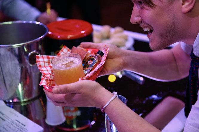 Servicio de cocteleria para eventos sociales, bodas, cumpleaños, empresariales