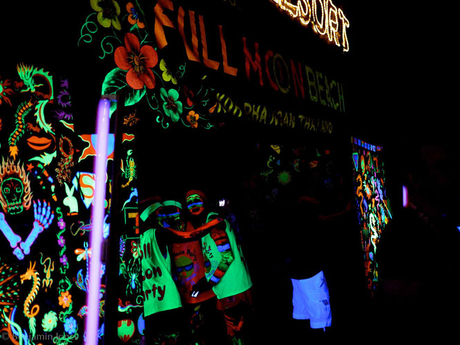 Full  Moon Party Glow in the Dark
