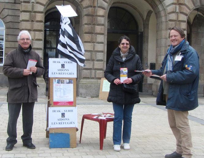 Samedi 21/03/2015 -  Beau temps ce matin sur le marché de Morlaix, où  la Fraternité ND-de-Garlan aidée par des membres de l'Église Protestante a distribué 552 tracts de L'Œuvre d'Orient en soutien aux victimes de la guerre en Syrie et Irak