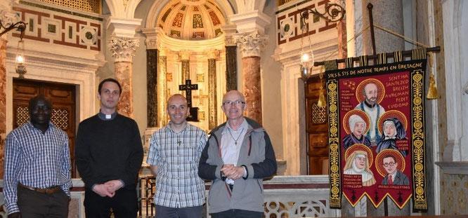 Eglise Saint-Yves-des-Bretons à Rome, à l'issue de la messe : Yves Tano, Joseph Coste, Daniel de Kerdanet, Yves Laurent